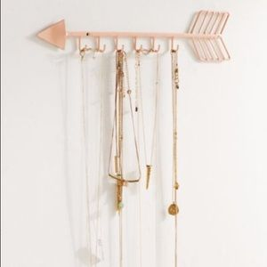 UO arrow necklace organizer